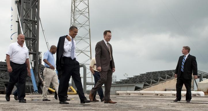 Elon_Musk_gives_tour_for_President_Barack_Obama